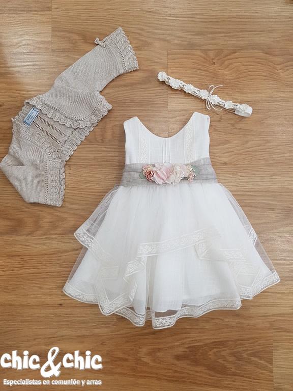 b21c257ba Vestido de ceremonia 311219 bebe lino y tul chic-and-chic-bautizo-nina-amaya-311219-1  chic-and-chic-bautizo-nina-chicandchic-311219-c-d