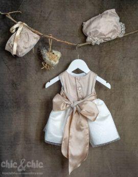 5d845a6aa Vestido bebe en tul plumeti alexa tostado. Capota y braga a parte.  Crudo-tostado