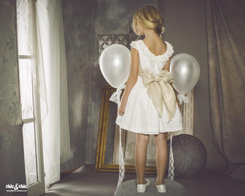 Vestido Abril (2-14 Años). Color beige-dorado