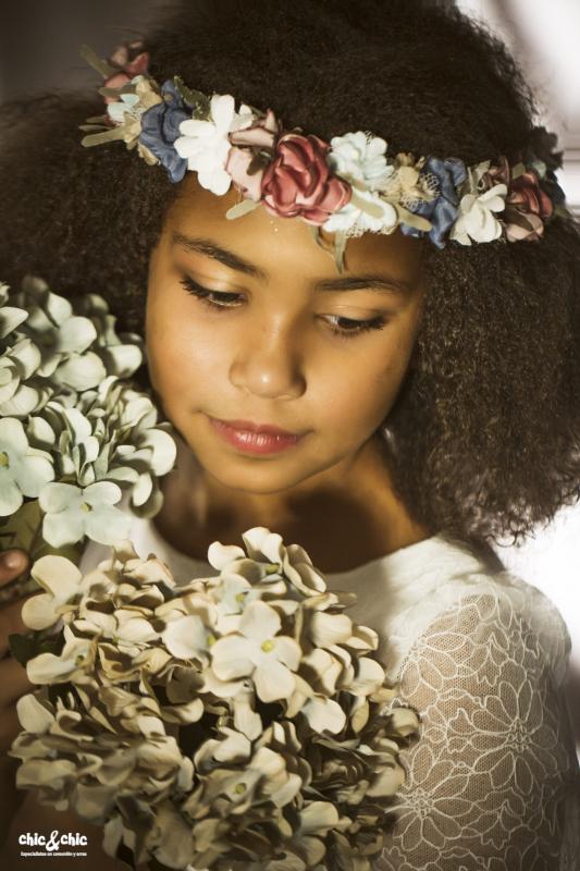 Corona para vestido FÁTIMA. Rosas y Azules