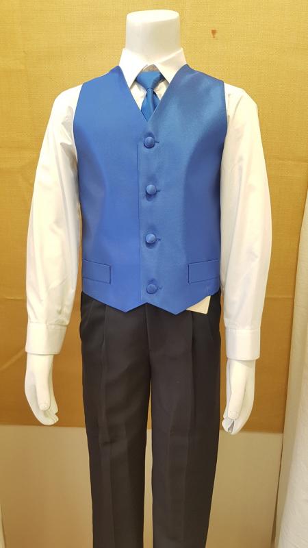 Conjunto niño chaleco y corbata azulón.