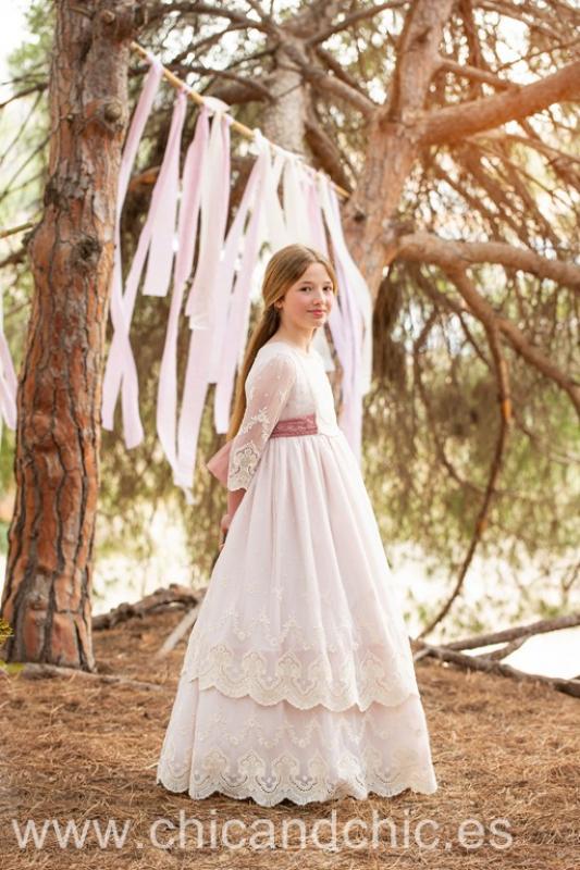 Vestido de comunión  Eris. Crudo-rosa maquillaje. Última talla 10