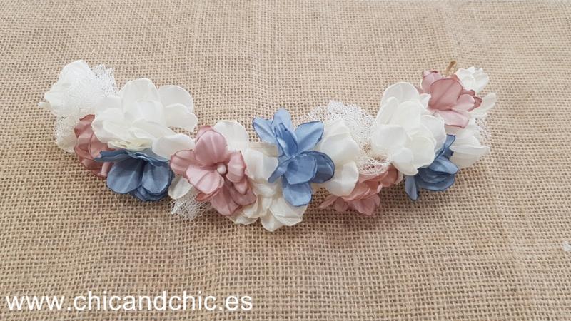 Media corona flores. Tonos rosas, azules y crudos