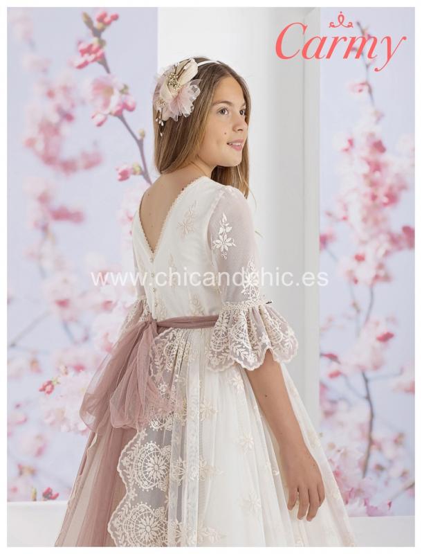 Vestido de comunión 1616. Tul bordado marfil.