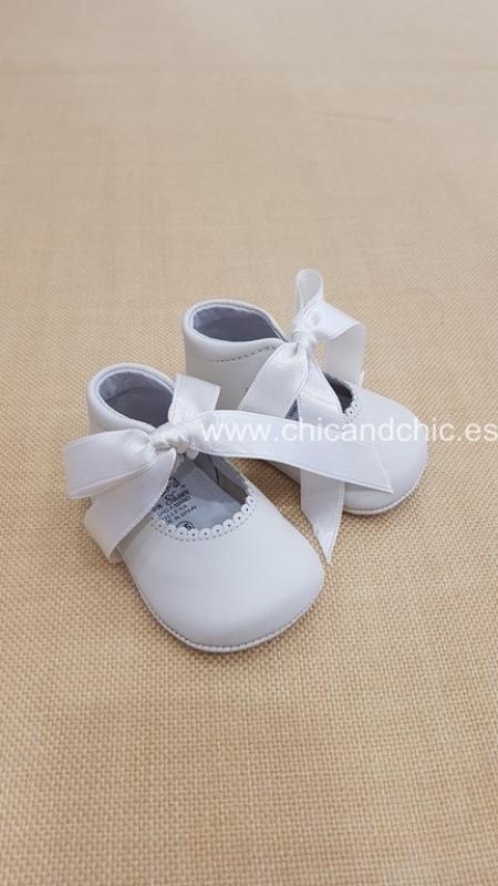 Zapato bebe piel beige. Mod. 2292