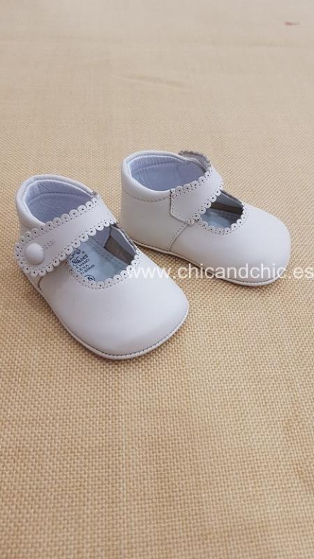 Zapato bebe piel beige. Mod. 2240