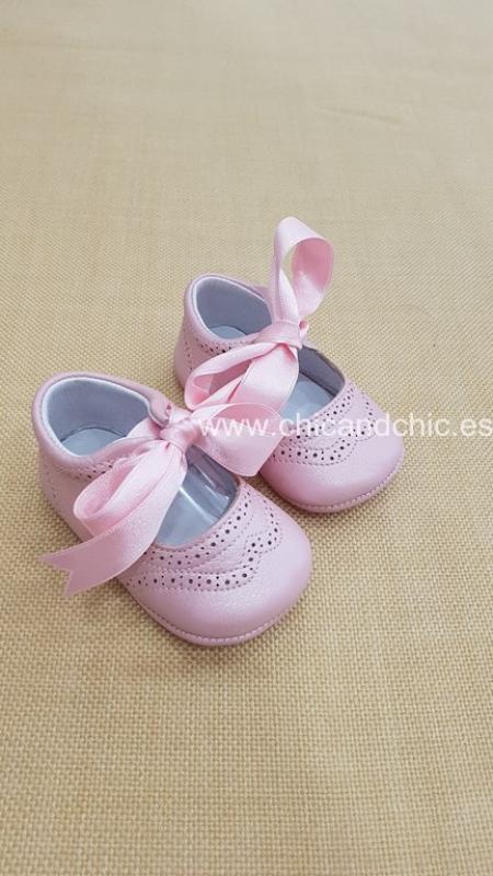 Zapato bebe piel nacar rosa. Mod. P976AG
