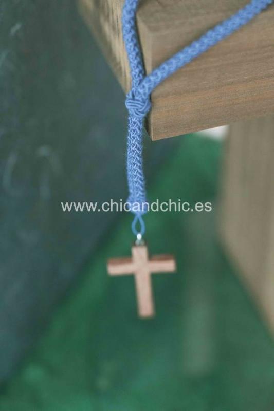 Cordón con cruz madera azul