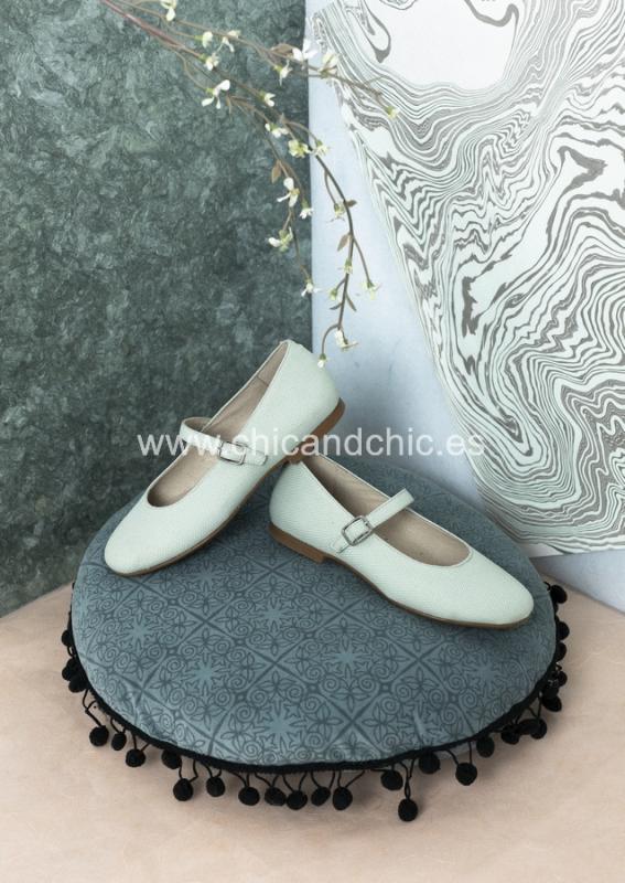Zapato piel hebilla . Lino verde agua