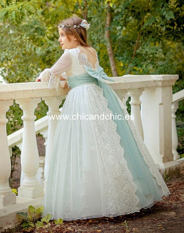 Vestido de comunión 2644. Tul bordado beige-verde agua