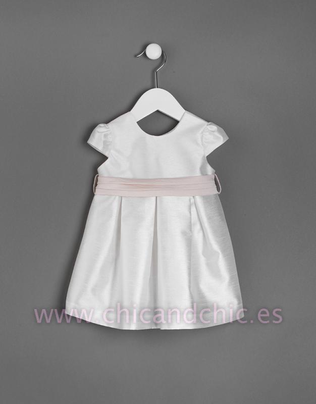 Vestido de bebe en seda poliéster. Crudo-beige