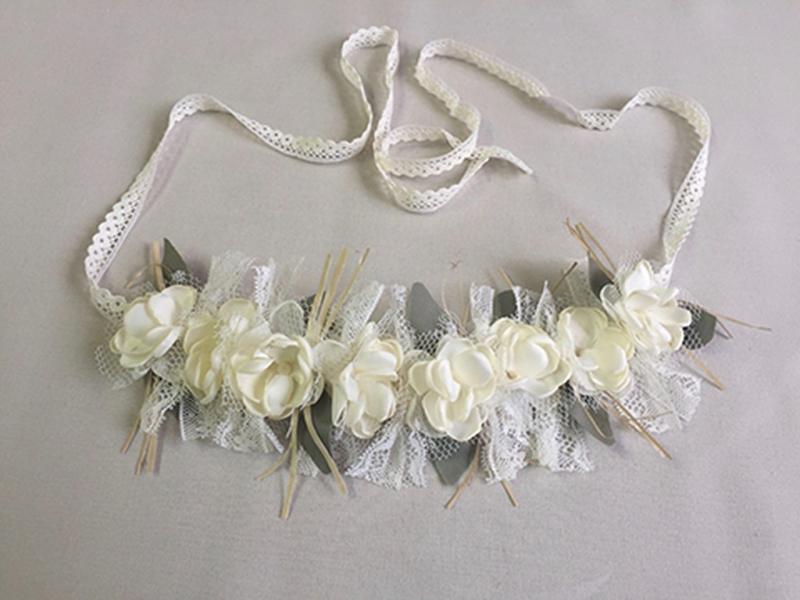 Corona/cinturón de flores crudo