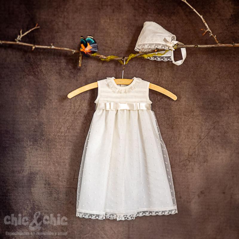 Faldón corto bautizo de organza color beige 81301
