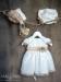 Vestido Amanda bebe en organza.Crudo-tostado (3m-24m). Sin capota y braga
