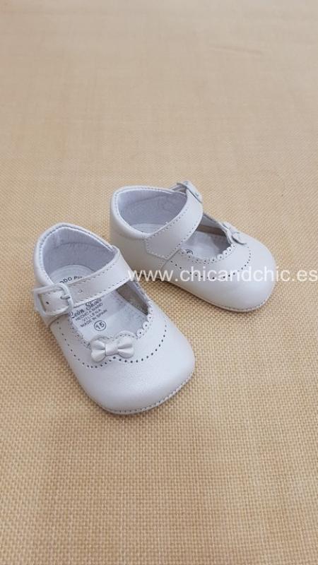 Zapato bebe piel nacar beige. Mod. 2259