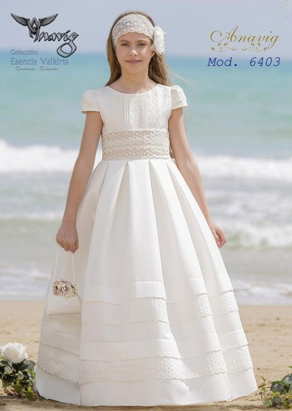 Vestido de comunión 6403. Color beige claro.